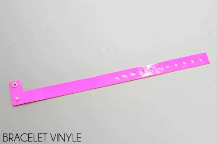 Bracelet vinyle réglable non personnalisé proposé par 123 Bracelets. Modèle de couleur rose.